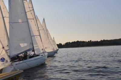 Några sekunder efter startskottet i andra racet, det var en grymt snygg start av alla båtarna.
